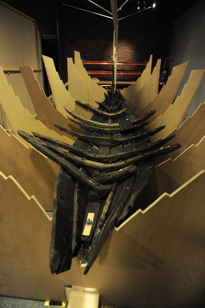 Boat reconstruction carried out in Norwegian Maritime Museum, based on reconstruction model. (fot. W. Jóźwiak)
