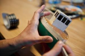 Przygotowanie modelu testowego do skanowania 3D (fot. W. Jóźwiak)